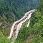 Drum de macadam in aval de lacul si barajul Vidra