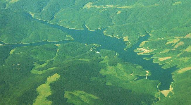 Lacul Vidra vazut din avion
